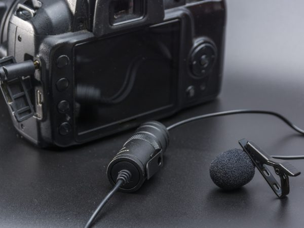 Lapel microphone used to phone mobil or dslr camera