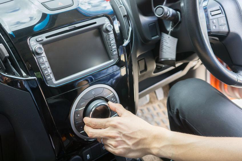 Imagen de sistema de sonido de un auto