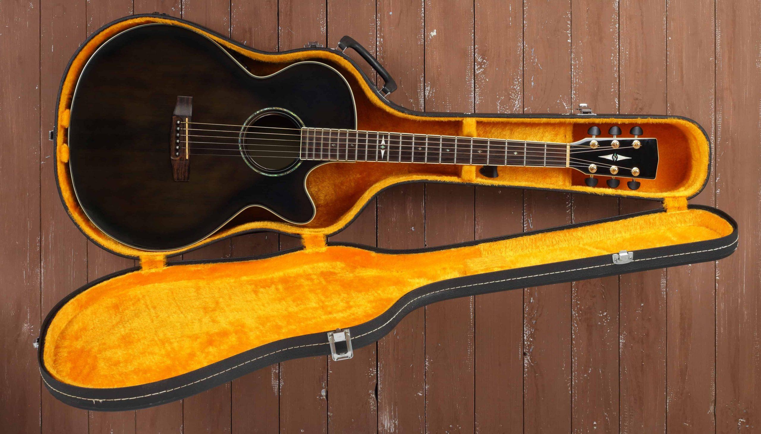 Funda de guitarra amarillo