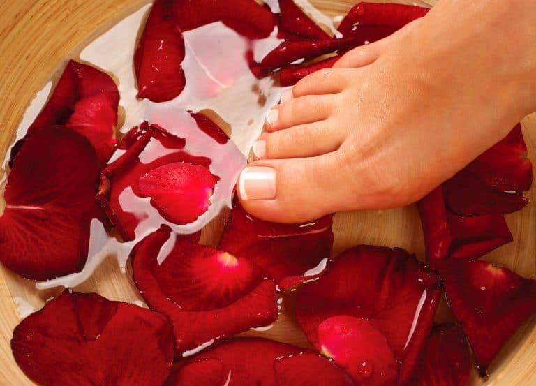 Pie en agua de rosas