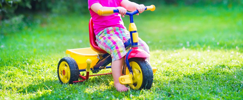 Triciclo amarillo