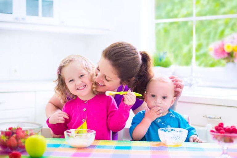 Mamá con sus hijos