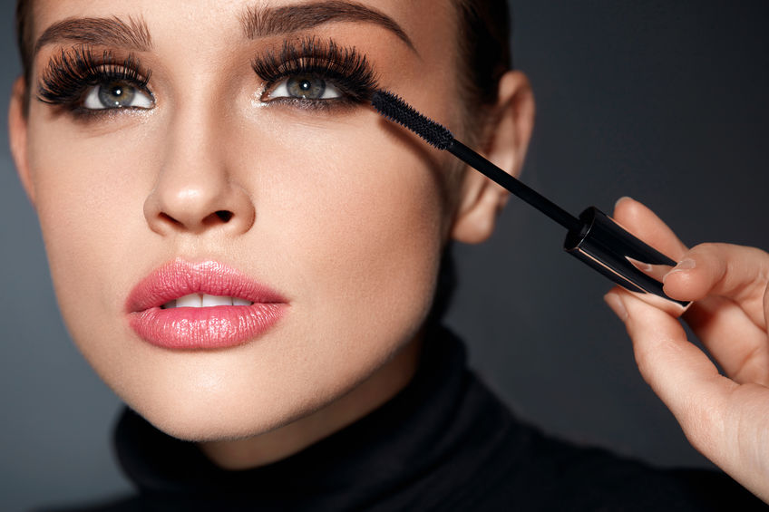 Mujer con maquillaje