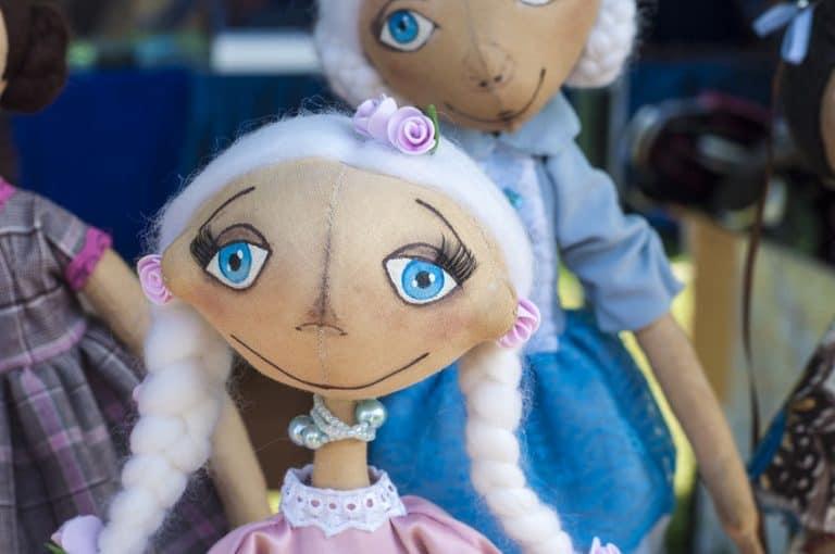 Muñecas de trapo con pelo blanco