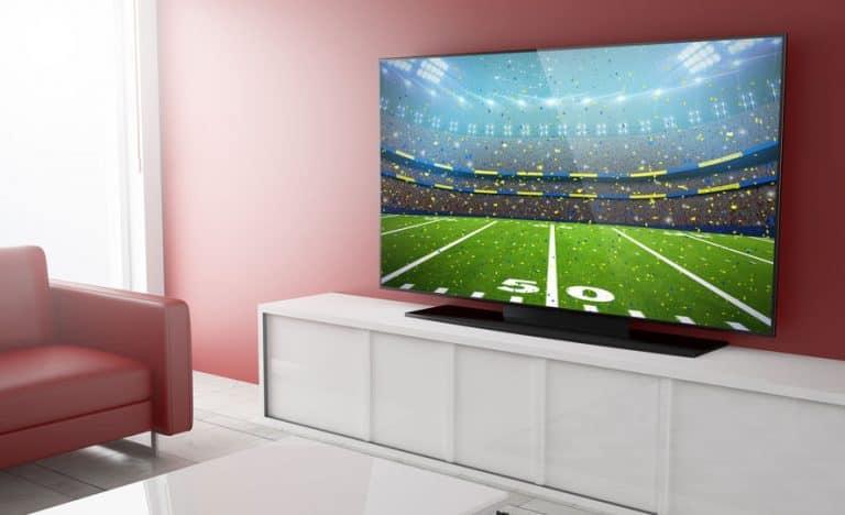 Television en sala con conexión HDMI