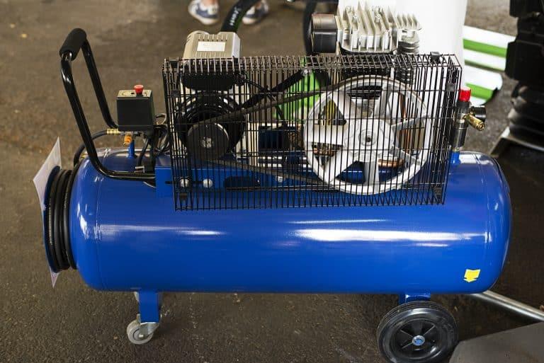 Compresor de aire fondo blanco
