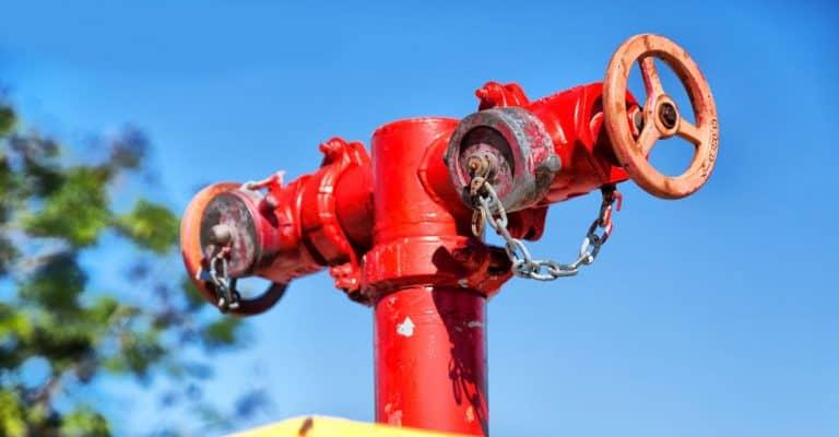 Bomba de agua color rojo