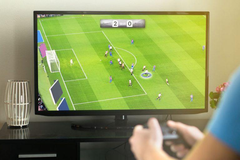 Videojuego de fútbol en pantalla