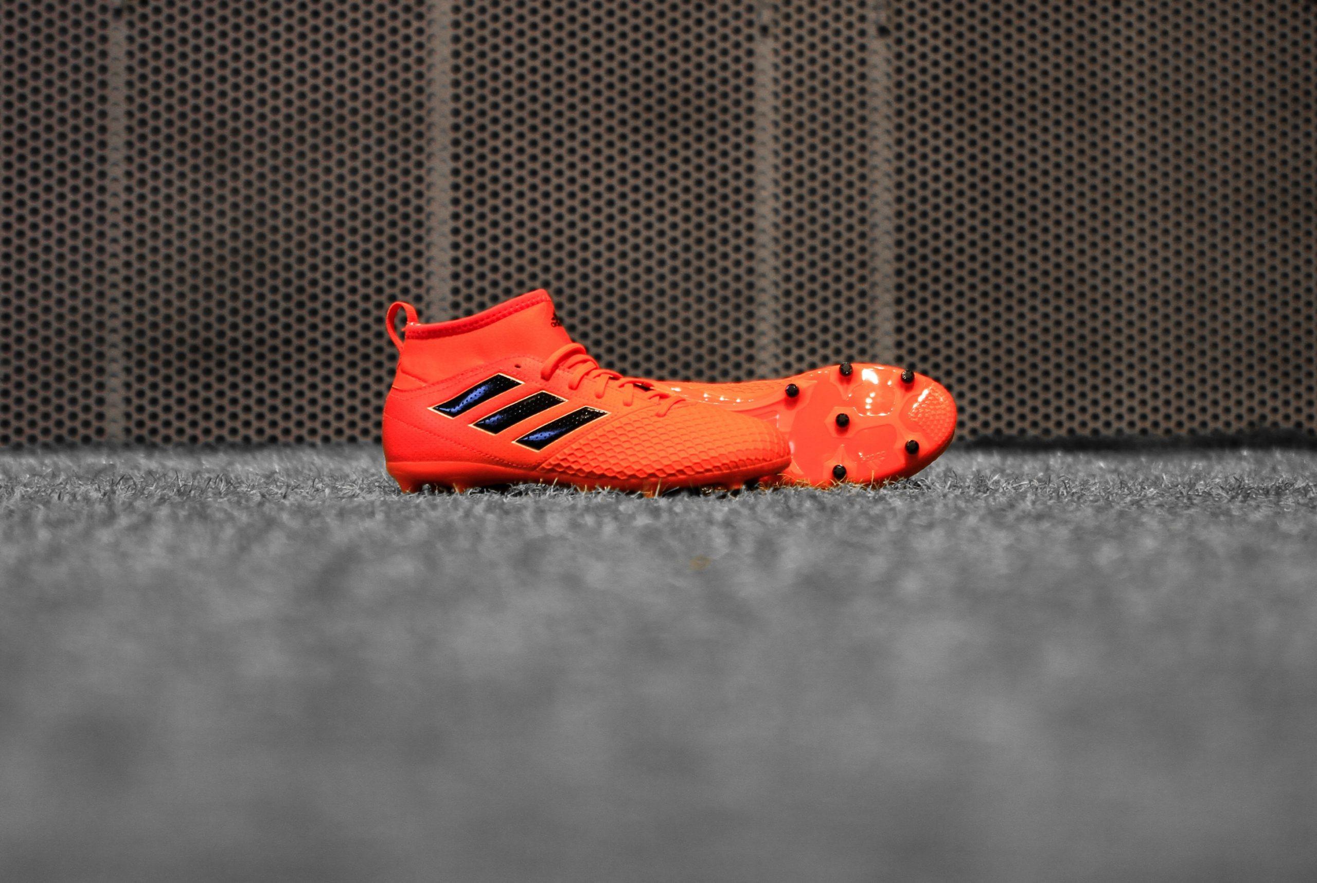 Botas de fútbol amarillas