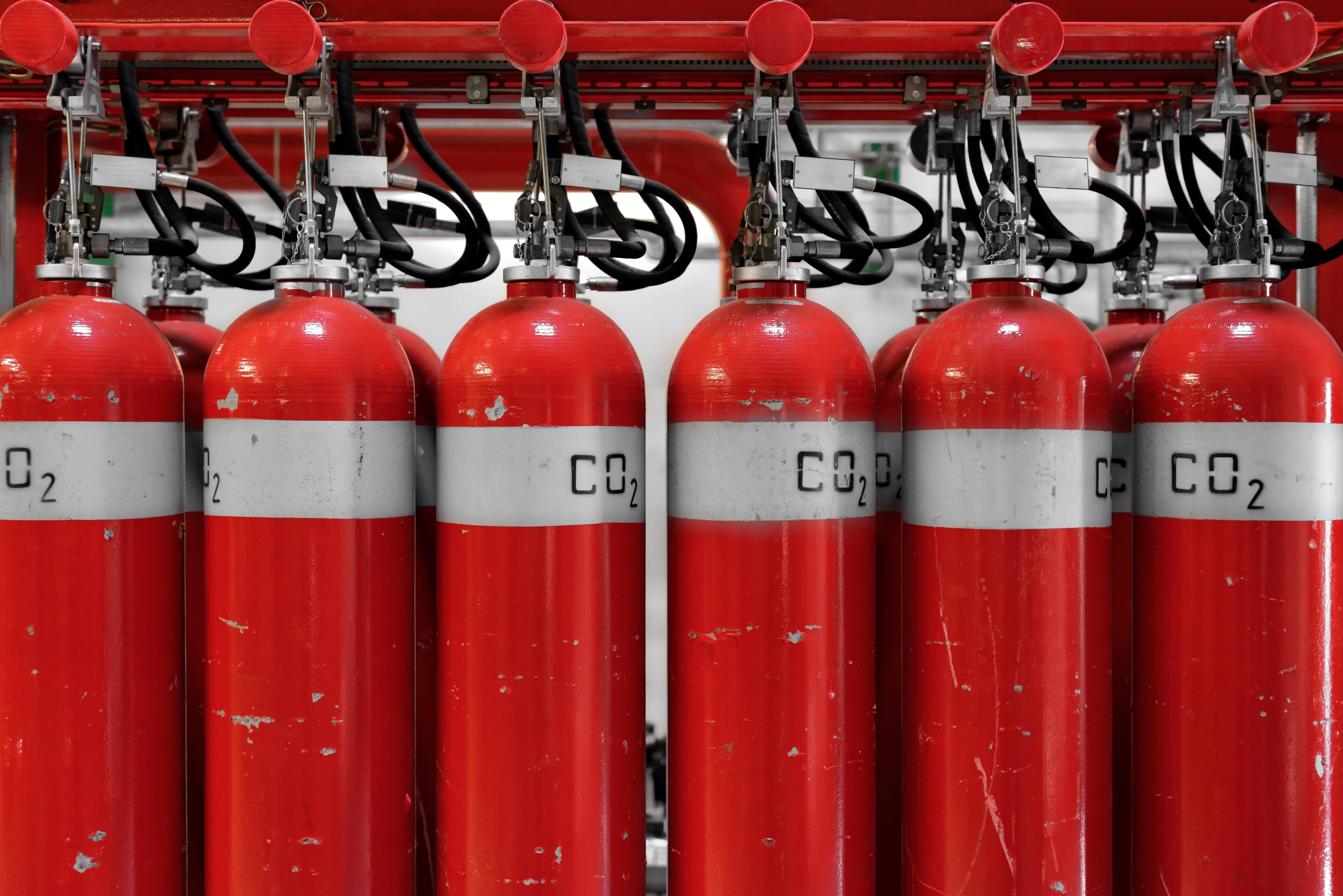 Extintores en fila