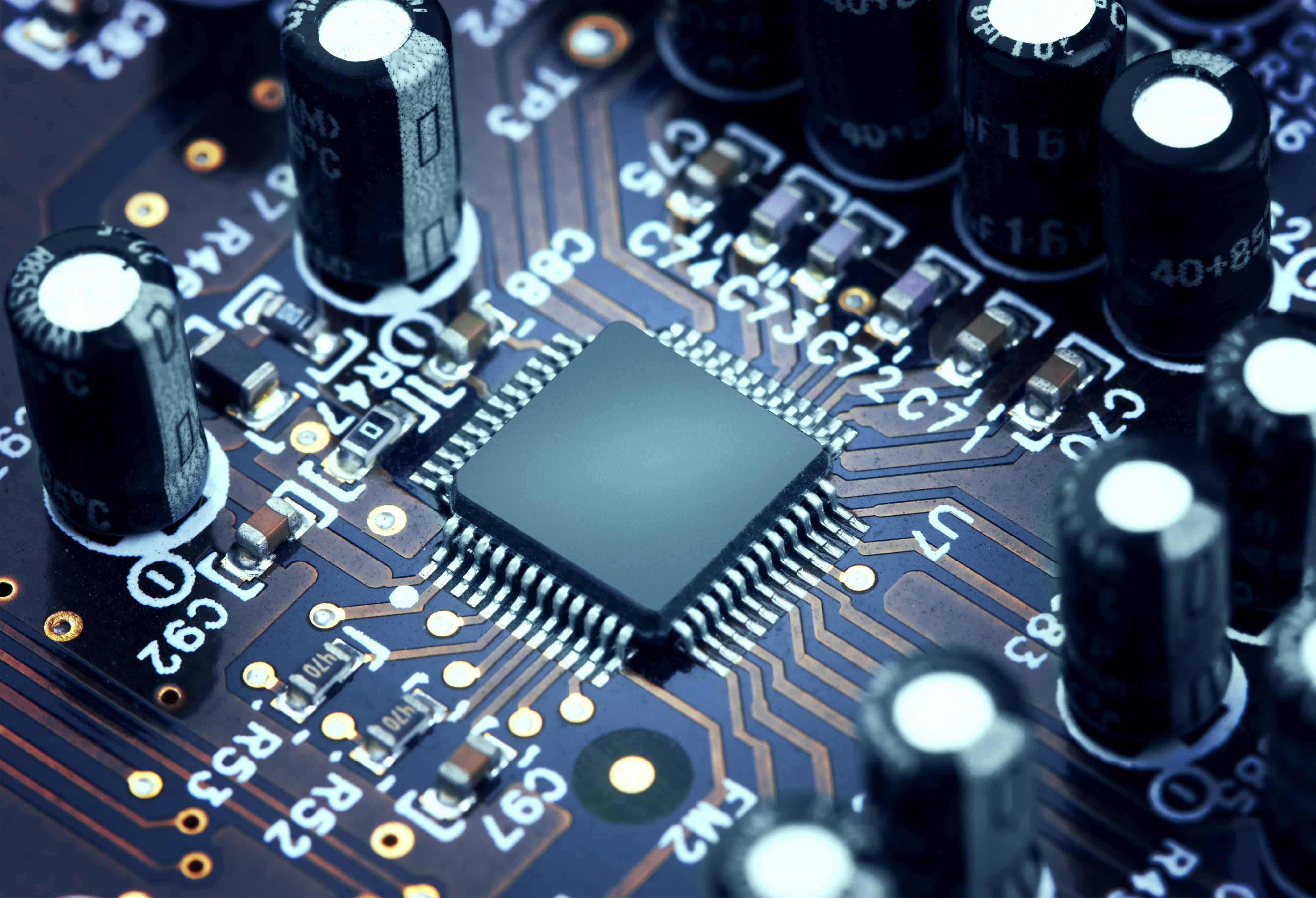 Procesador en placa de circuito visto desde cerca