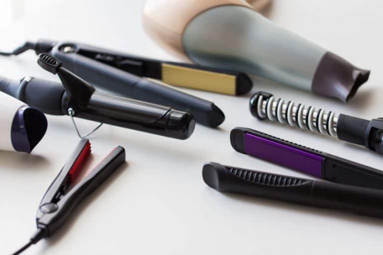 Rizador y plancha más otros utensilios de belleza