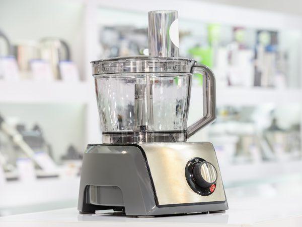Robot de cocina plateado