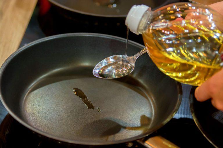 Con solo una gota de aceite, es posible cocinar de forma saludable.