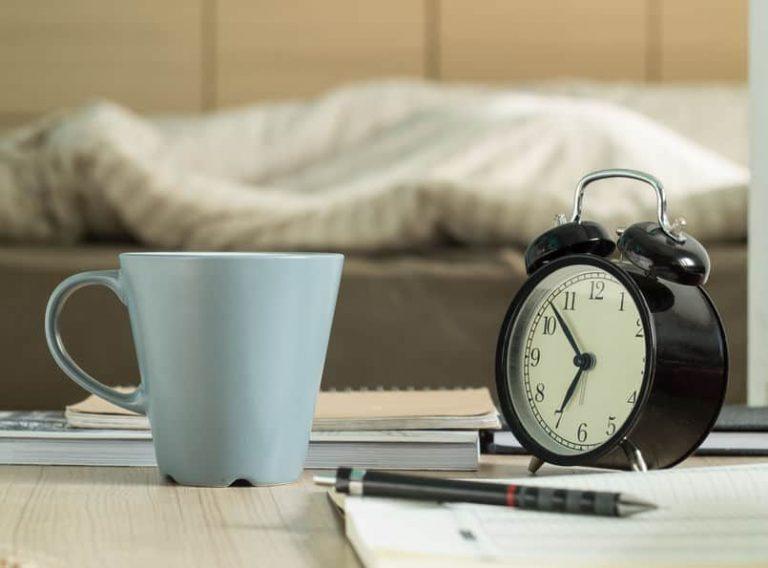 Despertador en habitación