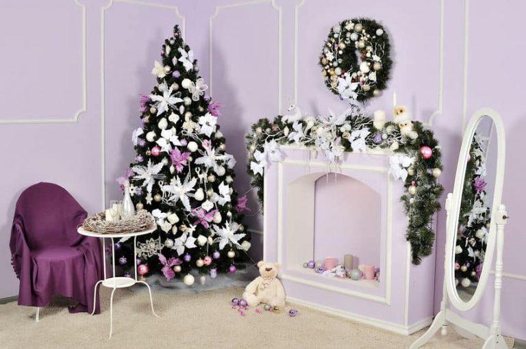 Arbol de navidad con chimenea
