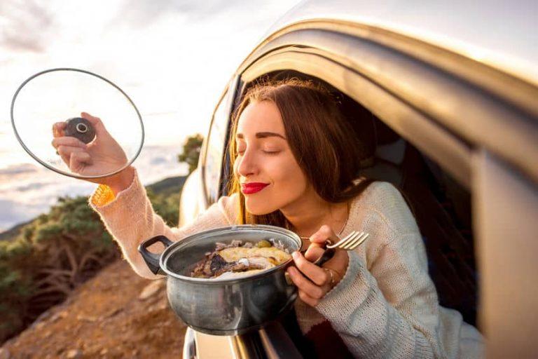 Mujer en carro