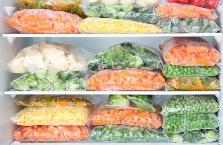 Bolsas con comida congelada