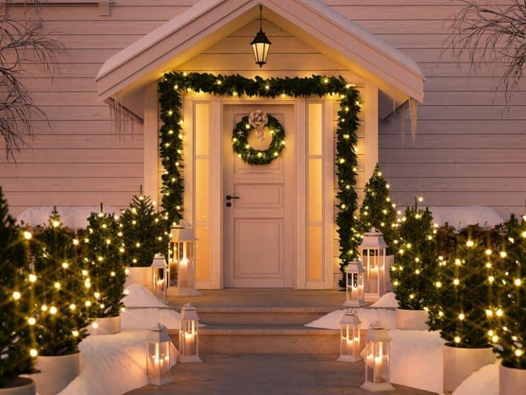 Exterior de casa adornada