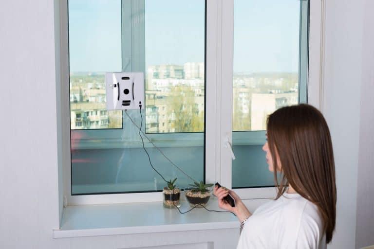 Robot limpiacristales en uso