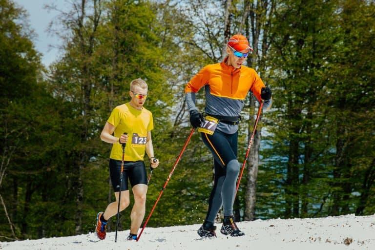 Dos corredores por la montaña