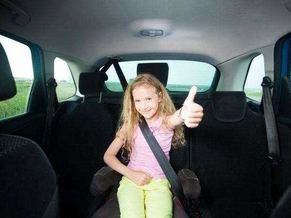 Elevador de coche para niños