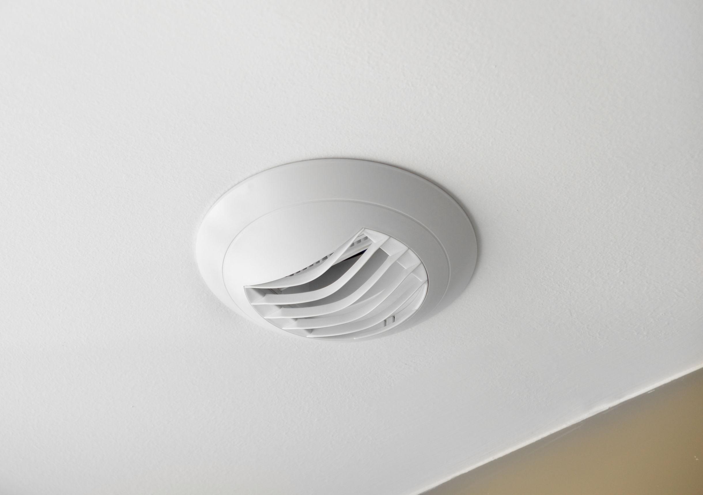 Ventilador de baño para renovar el aire en estancias húmedas