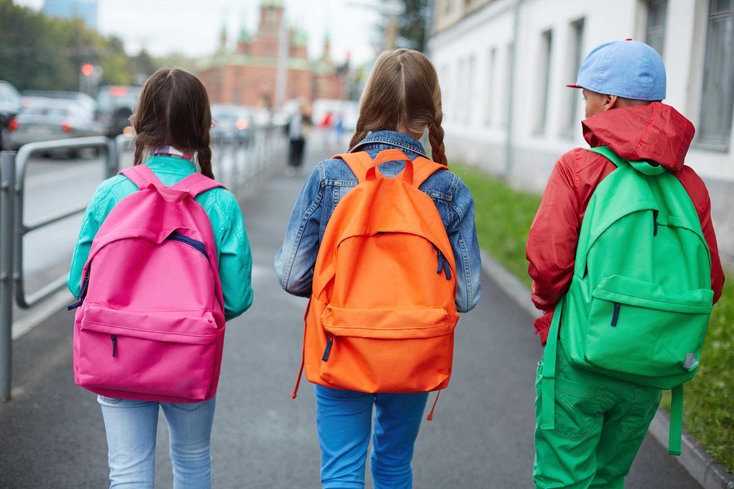 Niños a la escuela