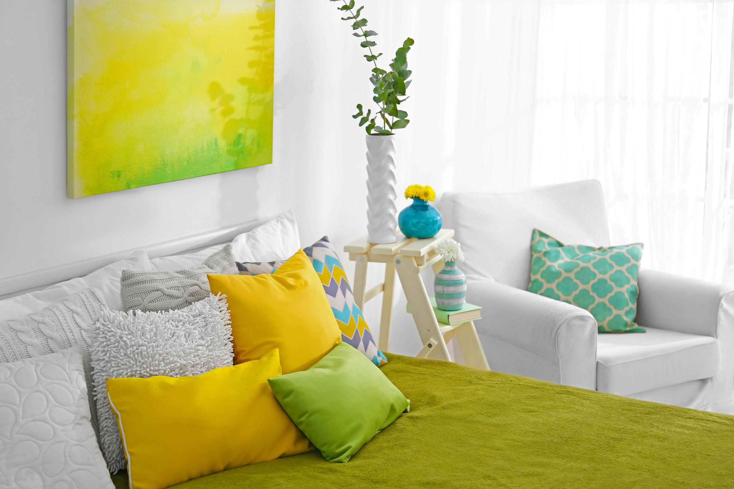 almohadas de colores