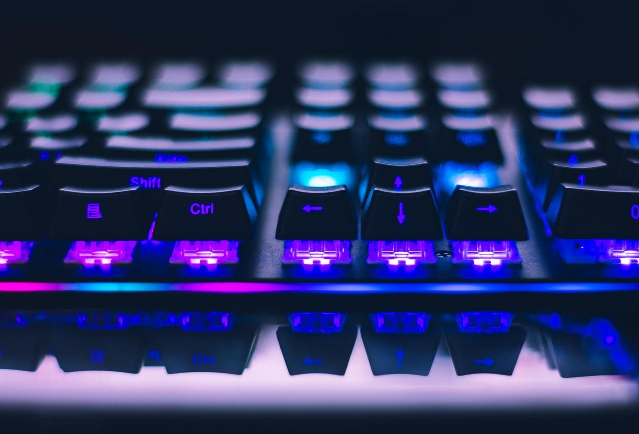 teclado mecánico con rgb