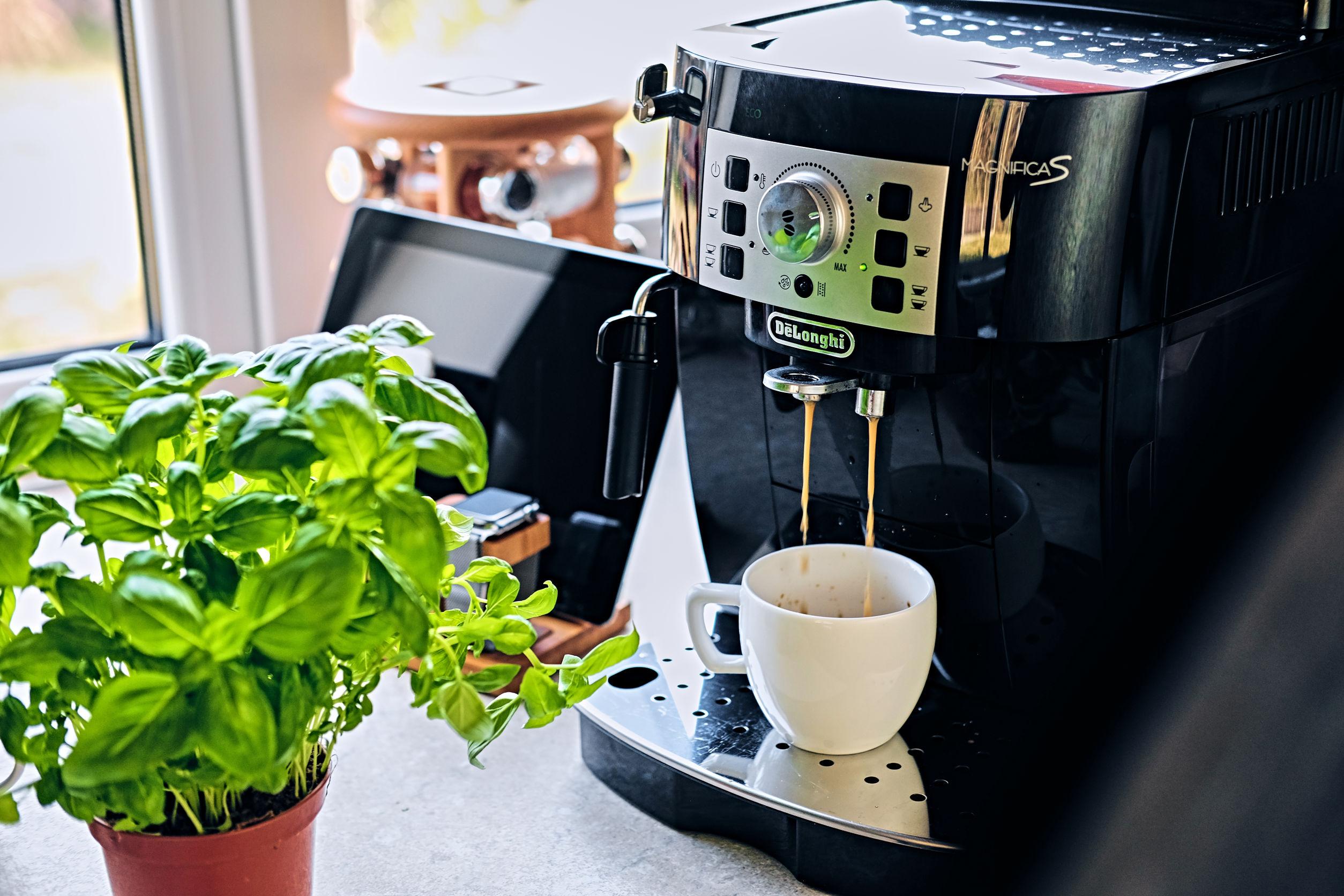 Máquina de café profesional para uso doméstico.