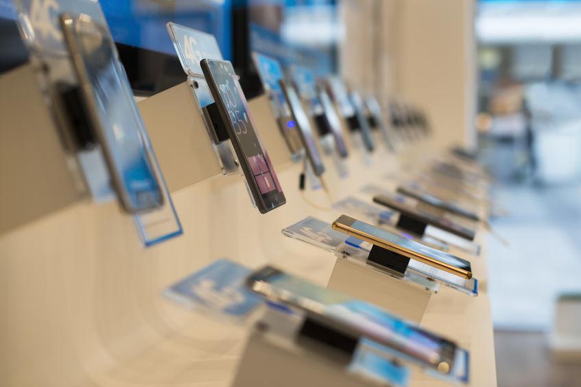 telefonos samsung en estantes