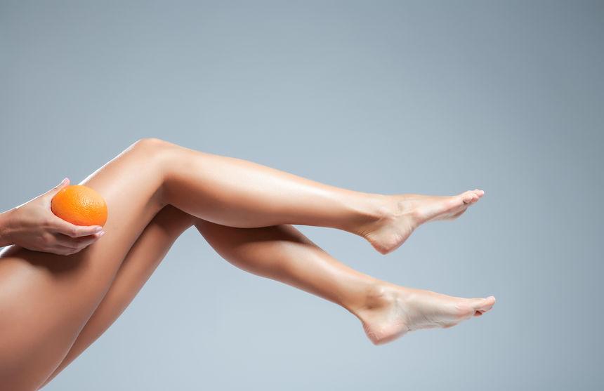 chica con piernas largas