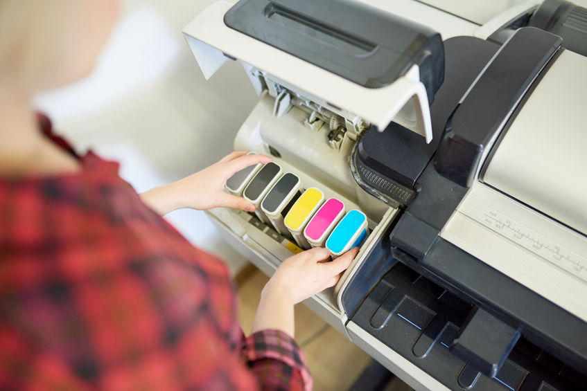 cambiando los cartuchos de tinta