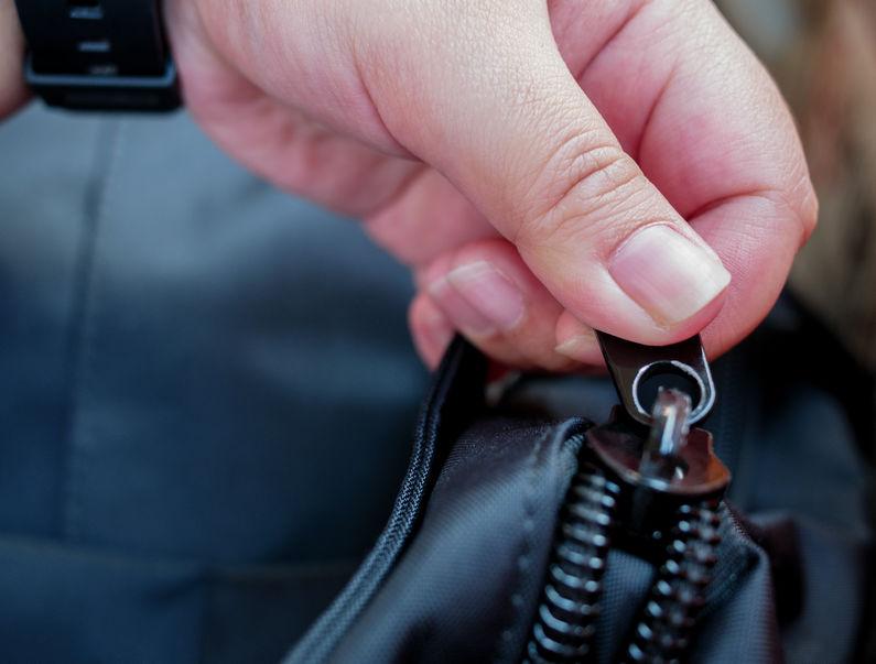 abriendo mochila