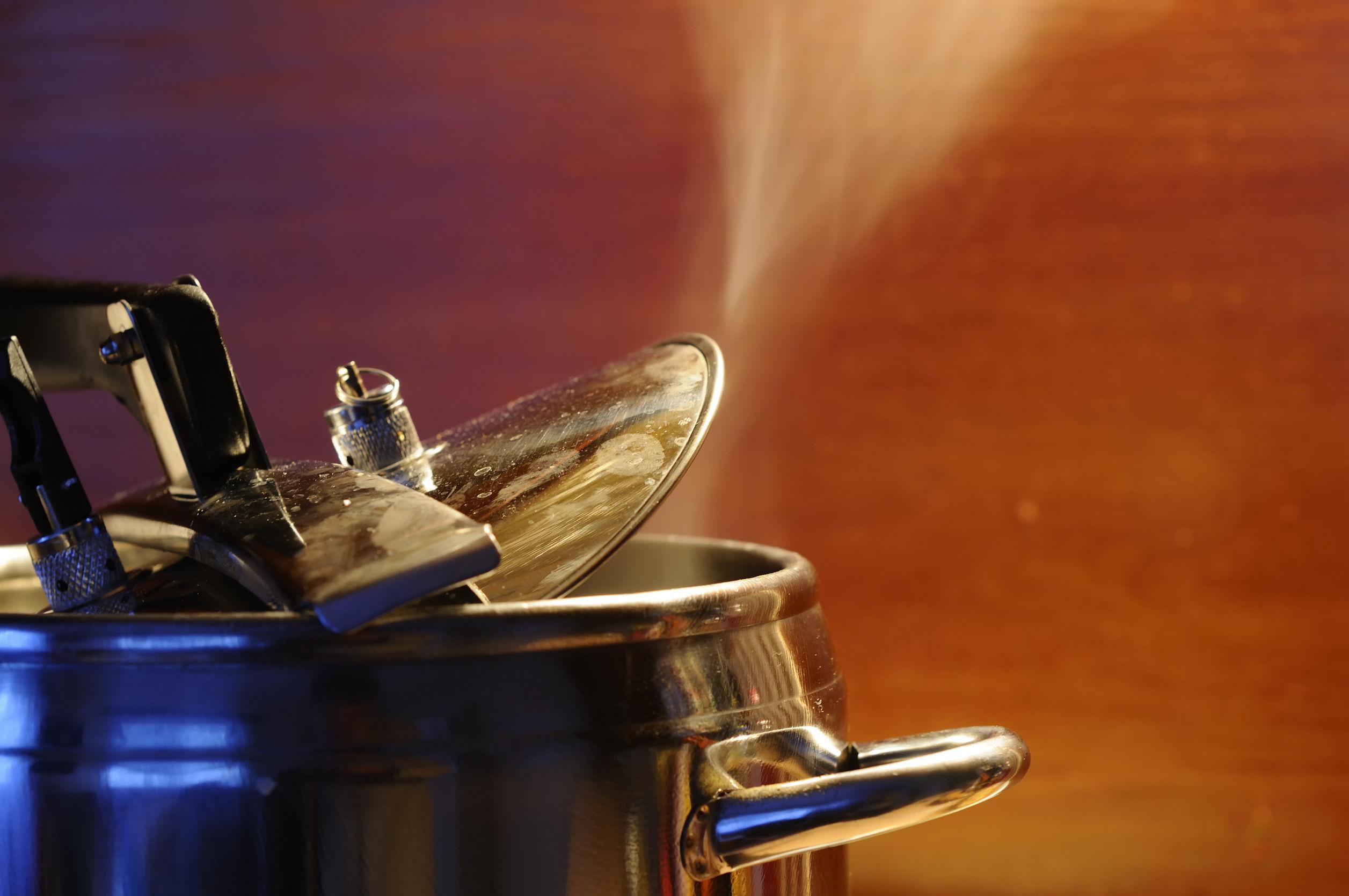 La tala de vapor de tapa de la cocina con la luz de la cocina de cocción de estilo de cocina de cocina china