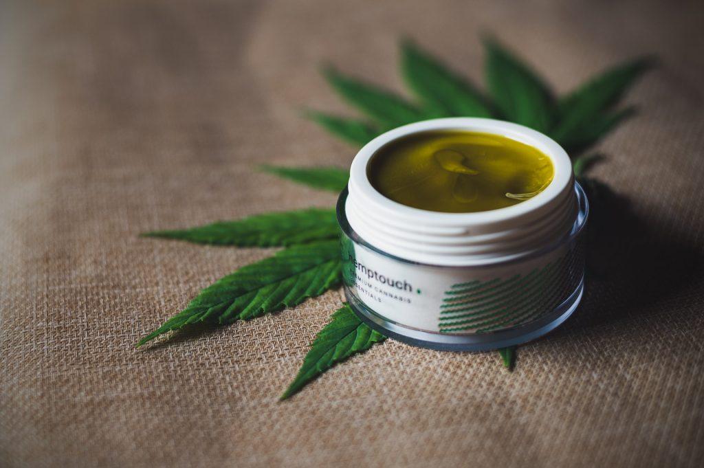 Gracias a sus numerosos beneficios, muchas personas las usan como alternativa a las cremas convencionales