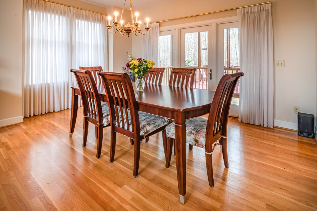 mesa consola de madera clasica