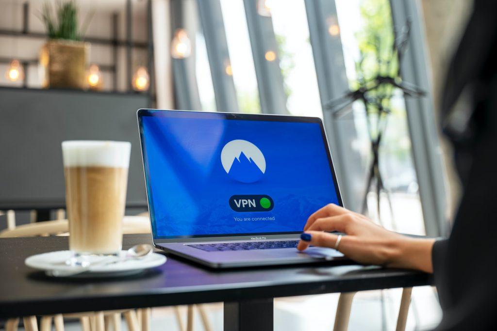 Protección-laptop-VPN-1