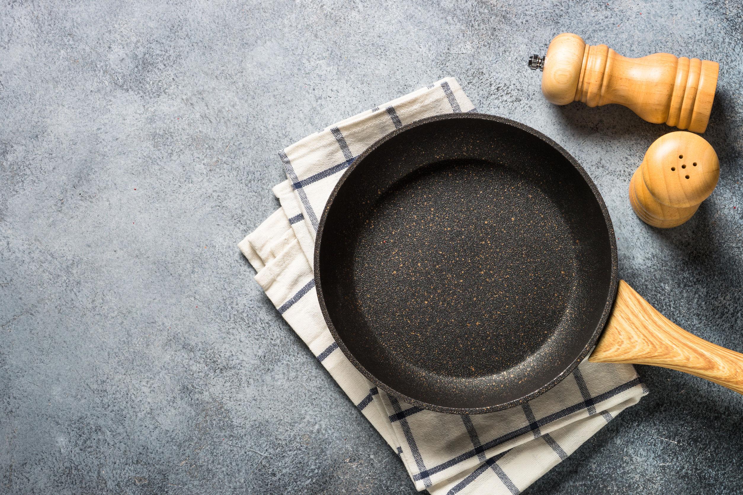 Sartén o sartén con revestimiento antiadherente de piedra.