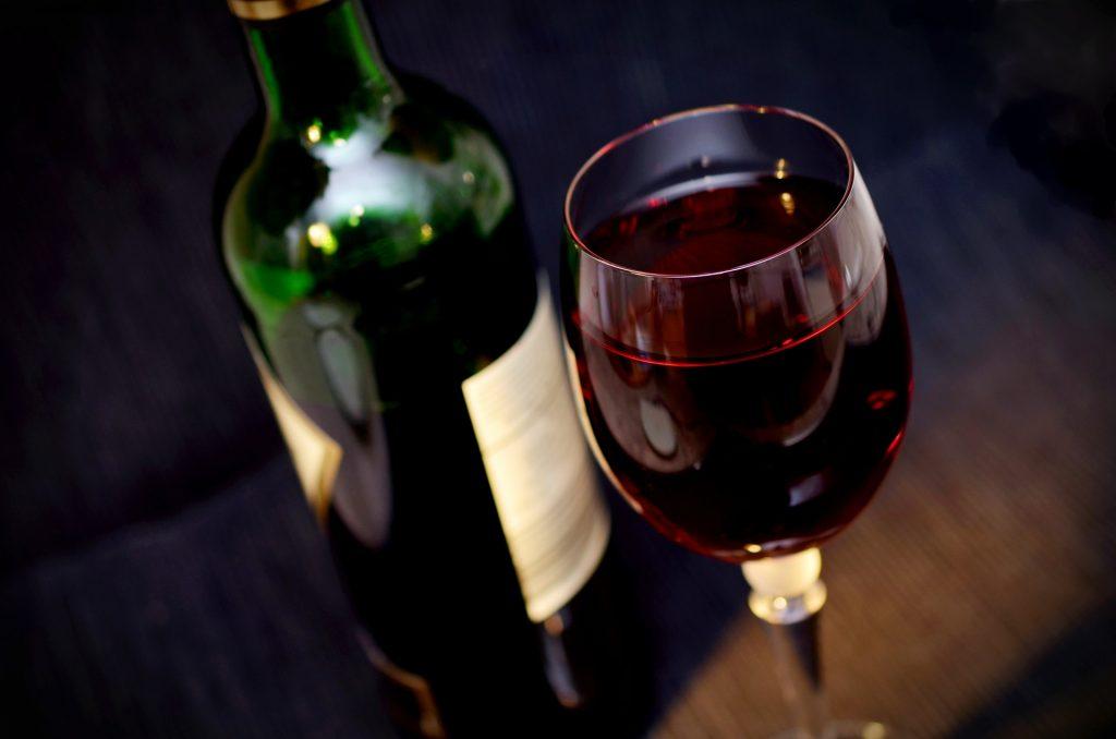 vino y botella
