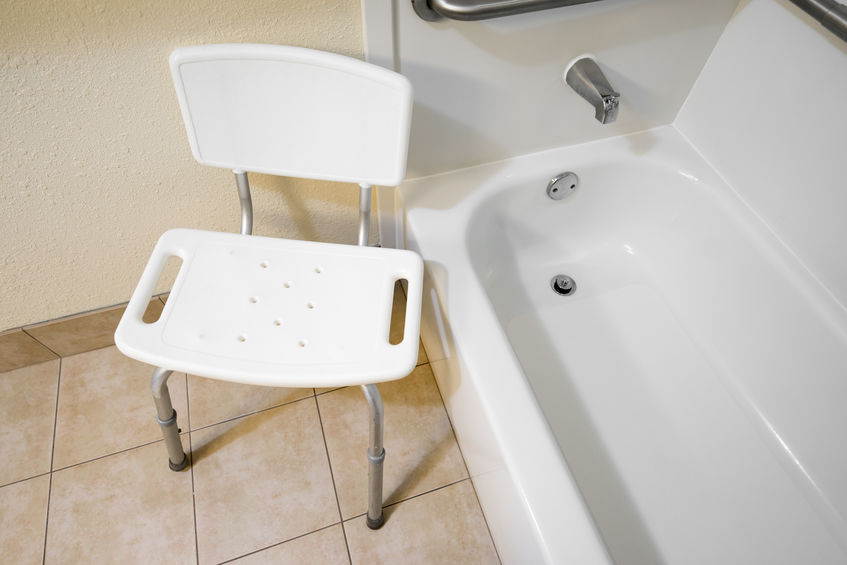 silla de ducha en bañera
