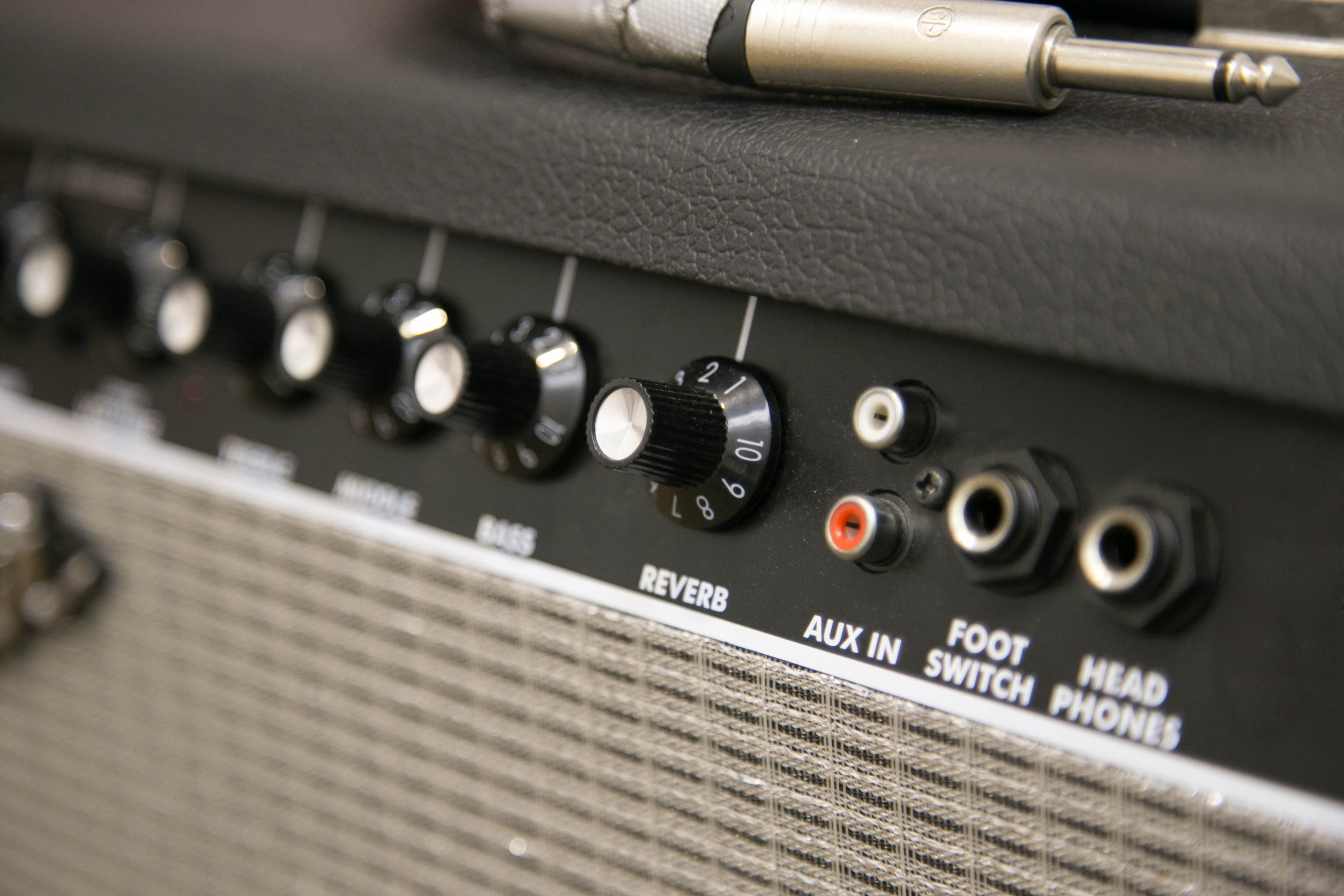 amplificador con controles
