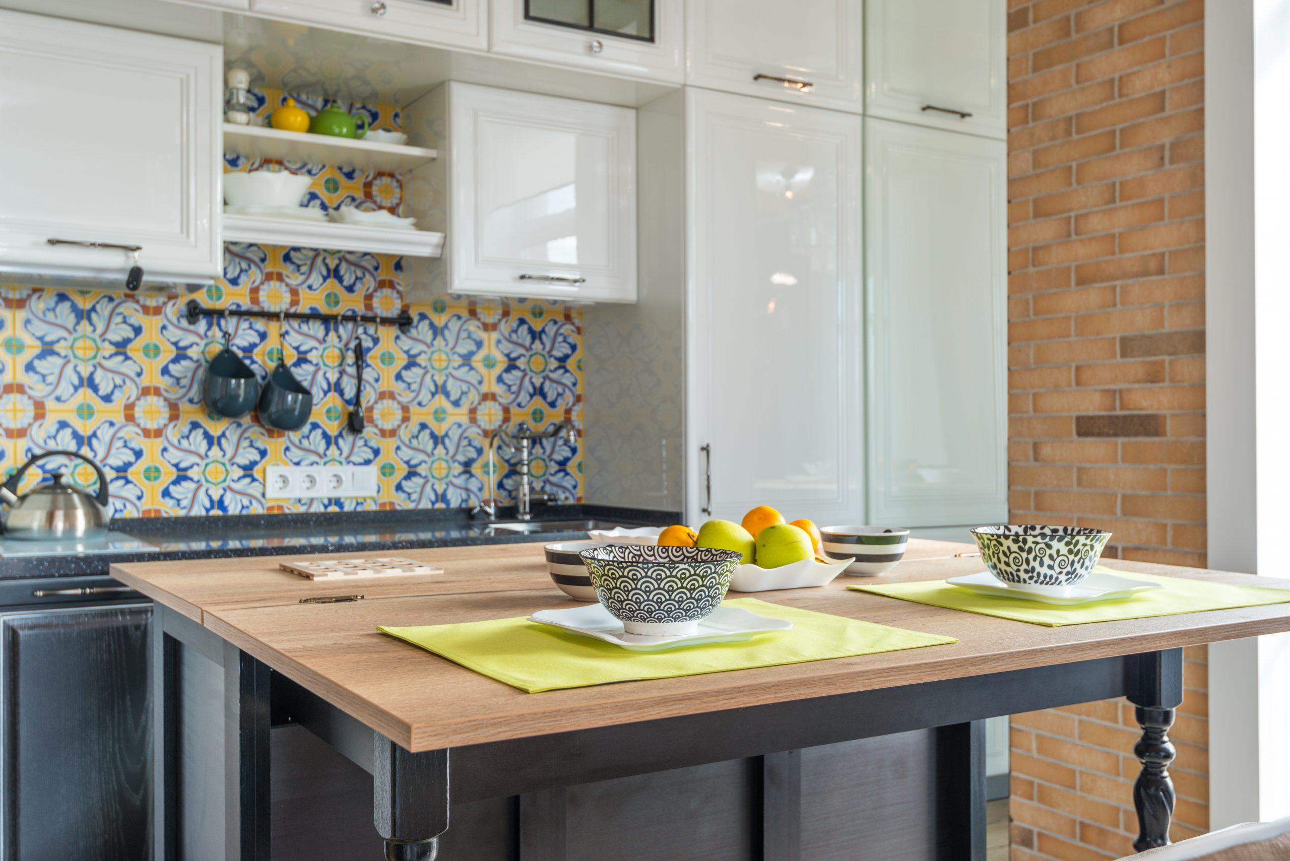Cocina con vinilos de pared