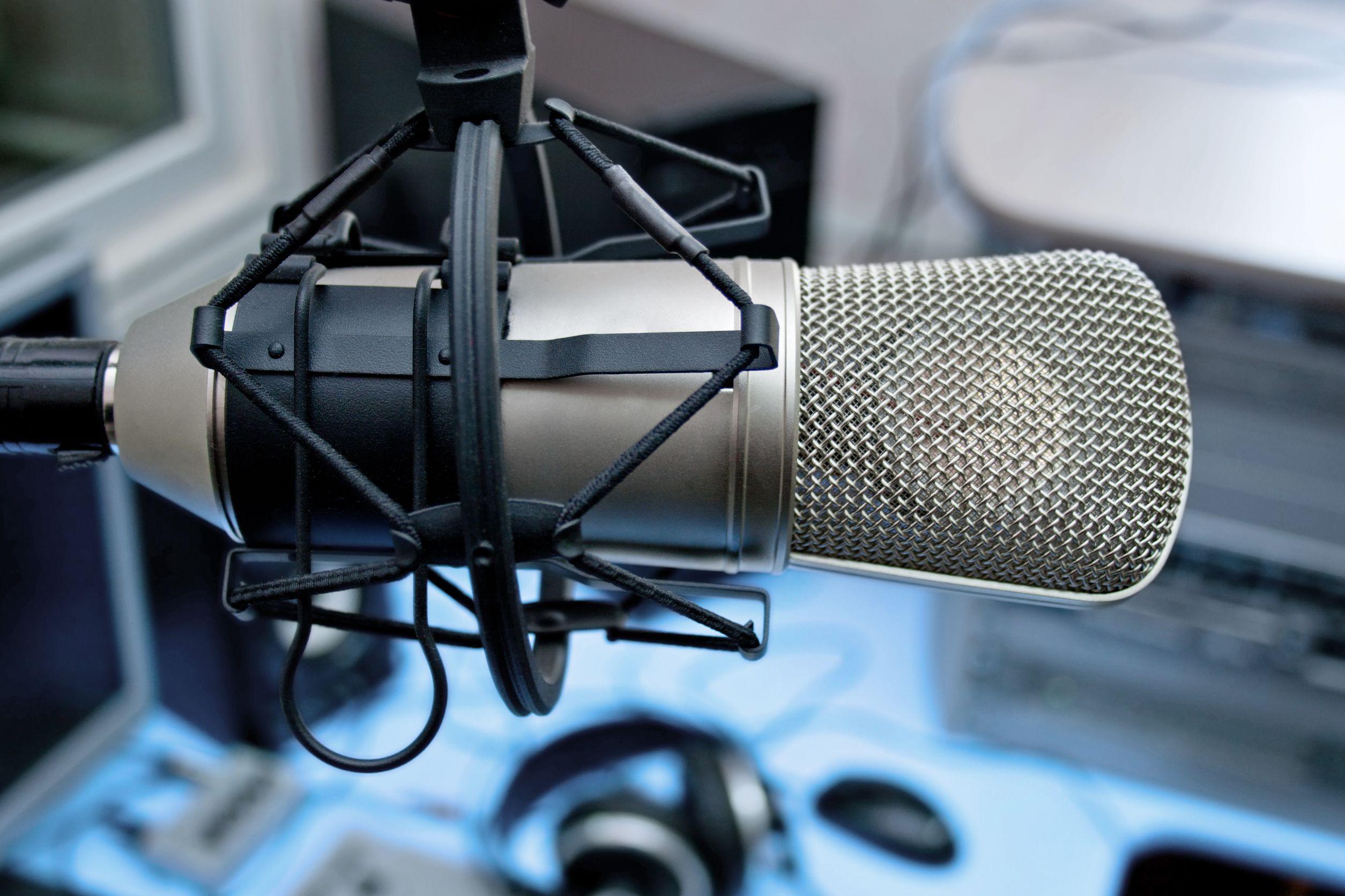 Micrófono en la difusión de estudios