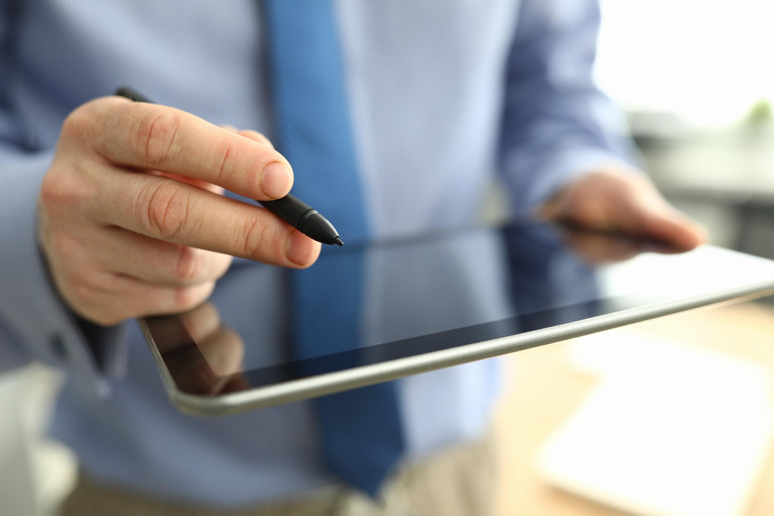 Persona usando tablet