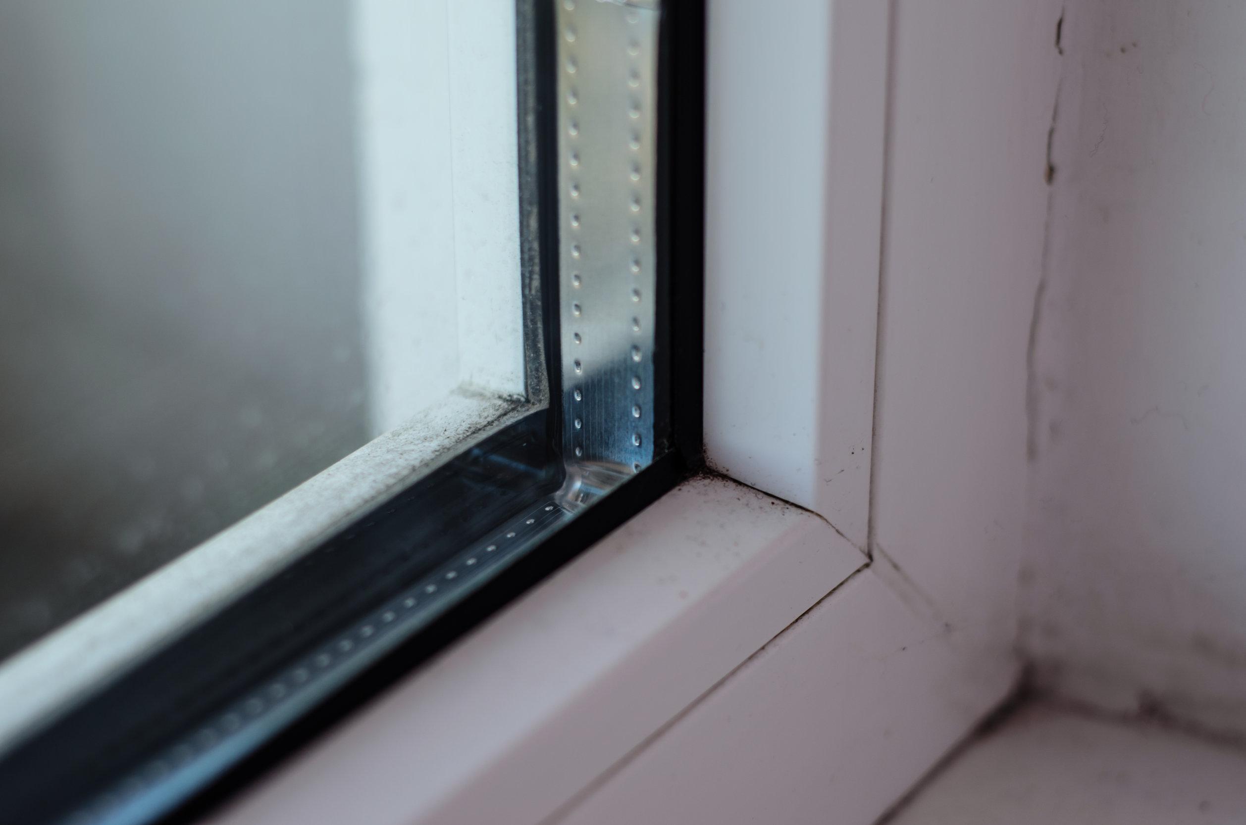 Esquina de ventana de aluminio