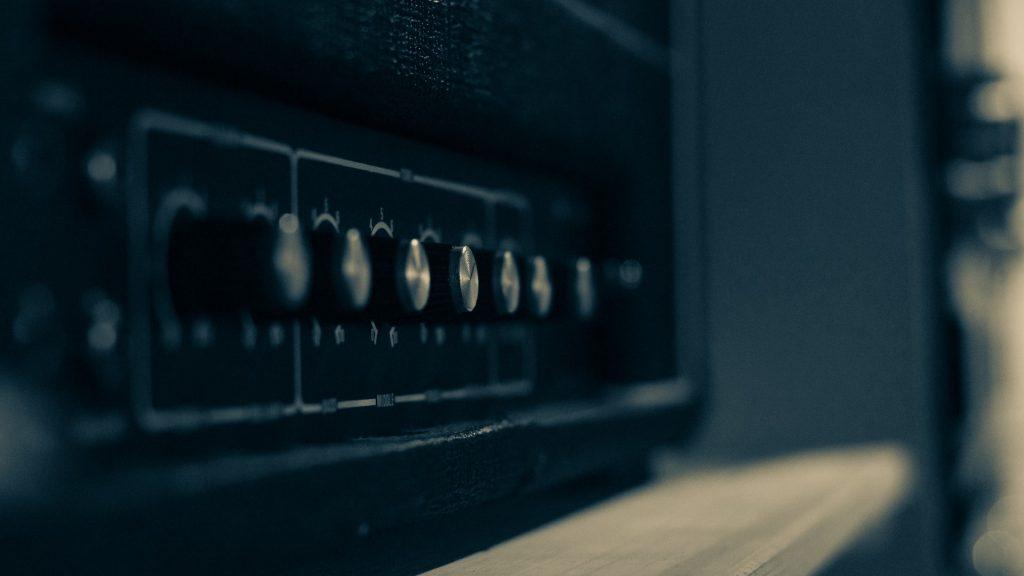 amplificador y sus conrtroles