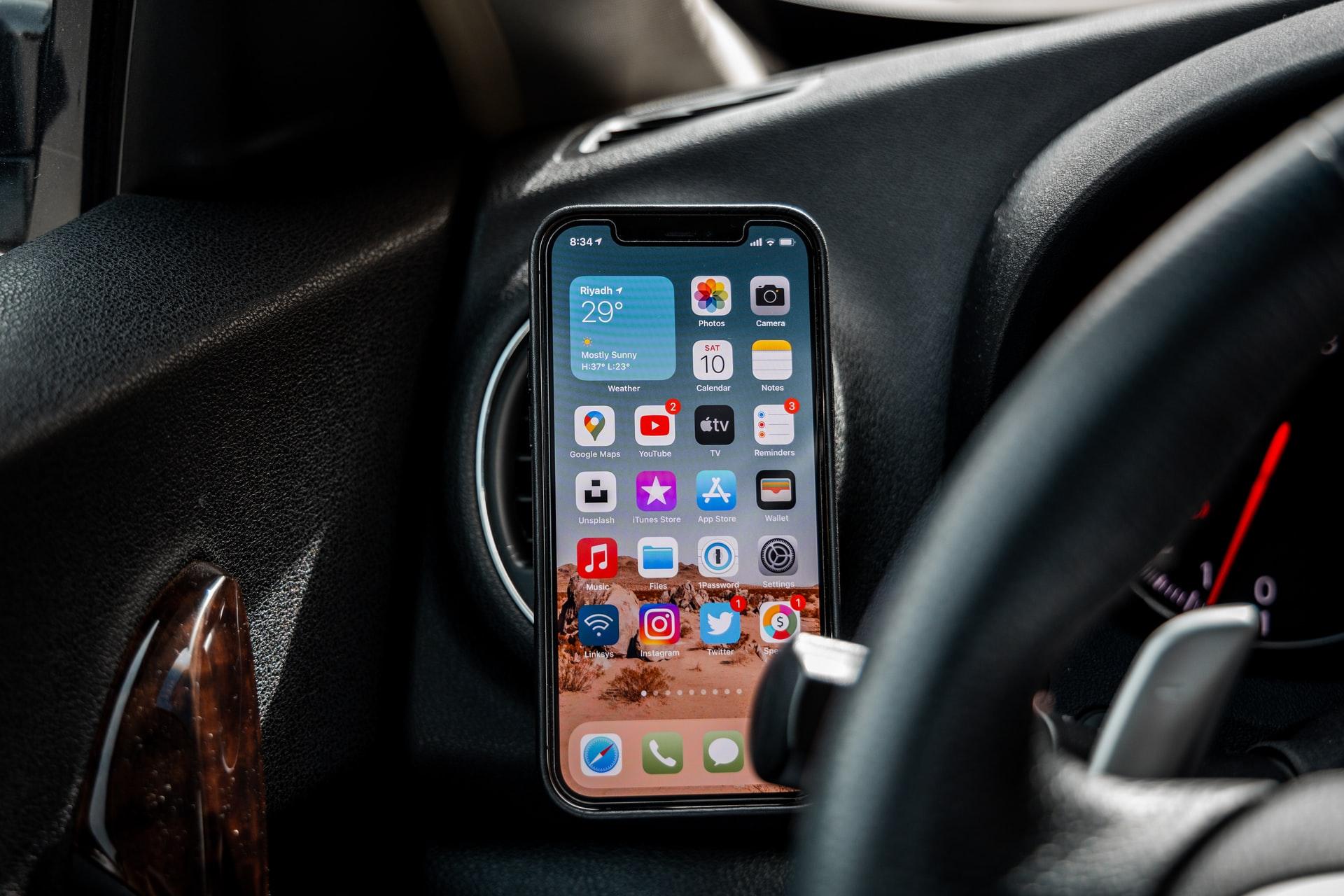 soporte de movil en auto