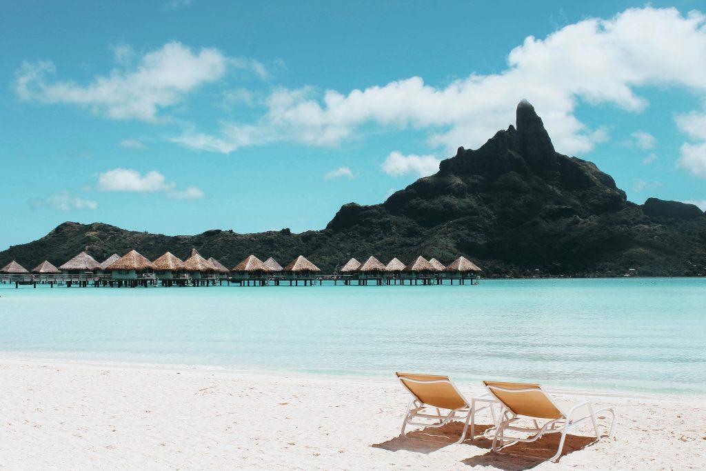 La variedad de tipos y estilos de sillones de playa que existen es realmente muy amplia, la cual se combina con toda una gama de accesorios y características anexas que incorporan en sus diseños. (Fuente: Vincent-gerbouin-1174732)